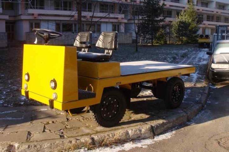 Электротележка ЕП011 платформенная грузоподъёмностью 3000 кг